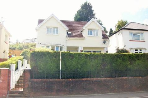 Maindy Crescent, Ton Pentre, Pentre, Rhondda, Cynon, Taff. CF41 7ES, South Wales - Detached / 3 bedroom detached house for sale / £225,000