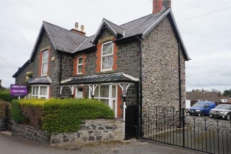 Park Road, Llanfairfechan, LL33, North Wales - Detached / 3 bedroom detached house for sale / £285,000