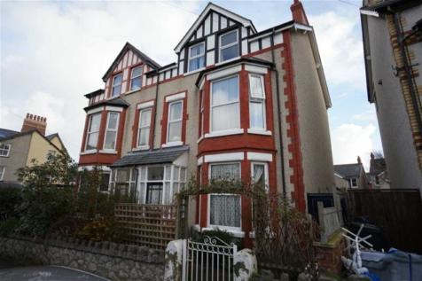 Grove Road, Colwyn Bay, Conwy, LL29 8ER, North Wales - Semi-Detached / 7 bedroom semi-detached house for sale / £184,500