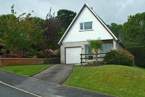62 Parc y Plas, Aberporth, SA43, Mid Wales - Detached Bungalow / 2 bedroom detached bungalow for sale / £195,000