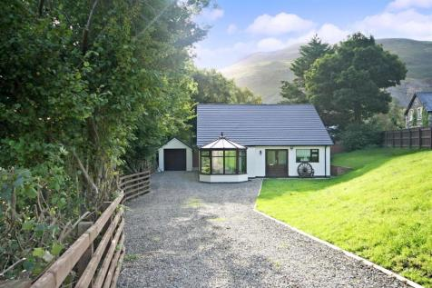 School Lane, Llangynog, Nr Oswestry, SY10 0ET, Mid Wales - Detached Bungalow / 3 bedroom detached bungalow for sale / £189,950