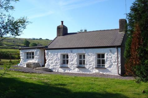 Nebo, Caernarfon, Gwynedd, LL54 6EA, North Wales - Detached / 2 bedroom detached house for sale / £359,950