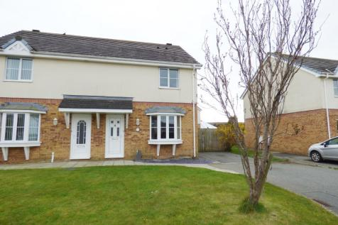 Garth Y Felin, Valley, Holyhead, Sir Ynys Mon, LL65 3FA, North Wales - Semi-Detached / 3 bedroom semi-detached house for sale / £149,950