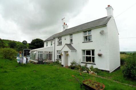 Groes, Denbigh, LL16 5SH, North Wales - Farm House / 5 bedroom farm house for sale / £345,000