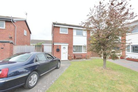 Grasmere Close, Prestatyn, LL19 7TU, North Wales - Detached / 4 bedroom detached house for sale / £159,950