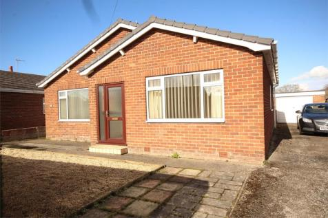 Linthorpe Road, Buckley, Flintshire, CH7 3HF, North Wales - Detached Bungalow / 3 bedroom detached bungalow for sale / £180,000