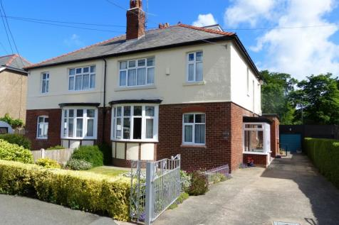 Kinmel Avenue  Abergele, LL22 7LW, North Wales - Semi-Detached / 4 bedroom semi-detached house for sale / £209,950
