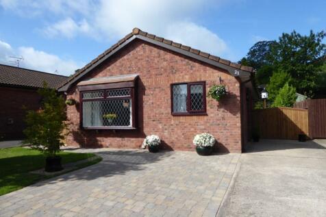 Lon Dirion  Abergele, LL22 8PX, North Wales - Detached Bungalow / 3 bedroom detached bungalow for sale / £179,950