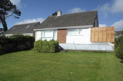 Bryn Siriol, Benllech, Anglesey, LL74 8TZ, North Wales - Detached Bungalow / 3 bedroom detached bungalow for sale / £189,950