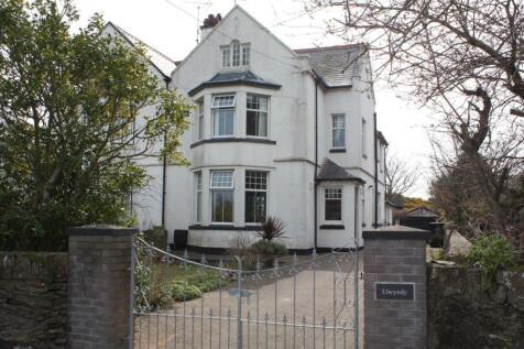 Llwyndy, Bull Bay Road, Amlwch, LL68 9EA, North Wales - Semi-Detached / 5 bedroom semi-detached house for sale / £290,000
