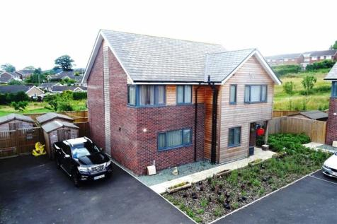 Burgess Close, Welshpool, SY21 7GZ, Mid Wales - Detached / 4 bedroom detached house for sale / £220,000