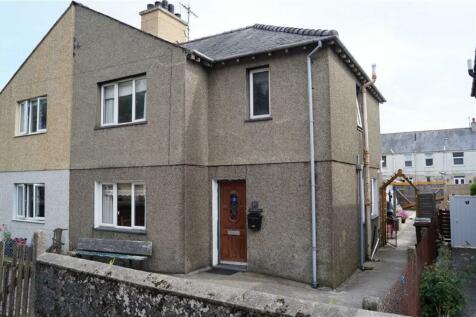 Abererch Road, Pwllheli, Gwynedd, LL53 5LR, North Wales - Semi-Detached / 3 bedroom semi-detached house for sale / £135,000