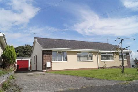 Bryn Tyddyn, Pentrefelin, Gwynedd, LL52 0PE, North Wales - Semi-Detached Bungalow / 2 bedroom semi-detached bungalow for sale / £155,000
