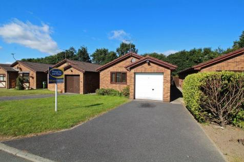 Derwen, Chirk, LL14 5BZ, North Wales - Detached Bungalow / 2 bedroom detached bungalow for sale / £140,000