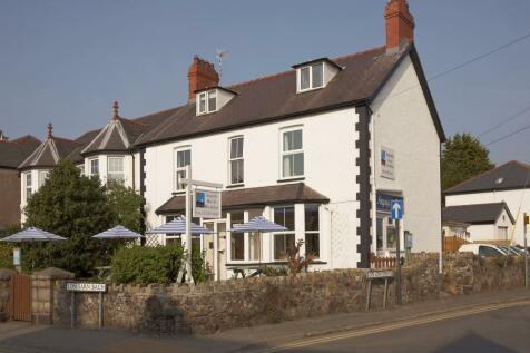 High Street, Abersoch, PWLLHELI, Gwynedd, LL53 7EB, North Wales - Commercial Property / Commercial property for sale / £595,000
