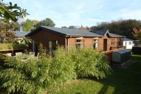 Plas Coch, LL61 6EJ, North Wales - Lodge / 3 bedroom lodge for sale / £135,000