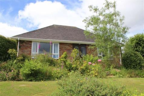 Carno, Caersws, SY17 5LX, Mid Wales - Detached Bungalow / 3 bedroom detached bungalow for sale / £249,950
