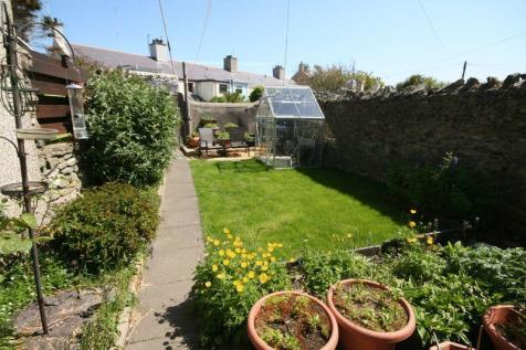 Holyhead, Anglesey, LL65 1EY, North Wales - Terraced / 3 bedroom terraced house for sale / £119,950