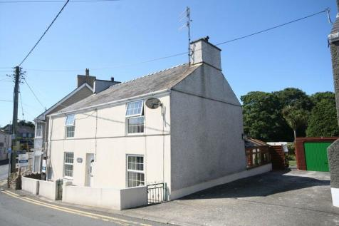 Penysarn, Anglesey, LL69 9AJ, North Wales - Detached / 4 bedroom detached house for sale / £177,500