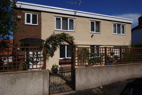 Tan Y Bryn Road, Craig Y Don, LL30, North Wales - Detached / 2 bedroom detached house for sale / £169,950