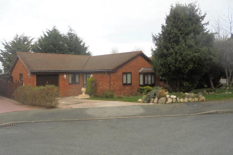 Lon Y Dail, Abergele, Conwy (County of), LL22, North Wales - Detached Bungalow / 3 bedroom detached bungalow for sale / £174,950