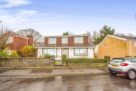 Luther Lane, Merthyr Tydfil, CF47 0PA, South Wales - Detached Bungalow / 4 bedroom detached bungalow for sale / £200,000