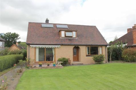 Arosfa, Old Canal Road, Newtown, Powys, SY16, Mid Wales - Detached Bungalow / 4 bedroom detached bungalow for sale / £225,000