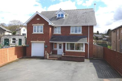 Hay Road, Builth Wells, Powys, LD2 3BP, Mid Wales - Detached / 5 bedroom detached house for sale / £279,995