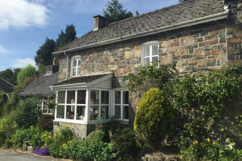 Triangle Cwmdauddwr, Rhayader, Powys, LD6 5AR, Mid Wales - Semi-Detached / 2 bedroom semi-detached house for sale / £149,500