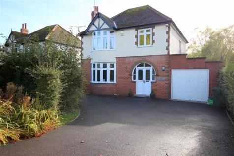 New Dixton Road, Monmouth, NP25 3PP, South Wales - Detached / 3 bedroom detached house for sale / £370,000