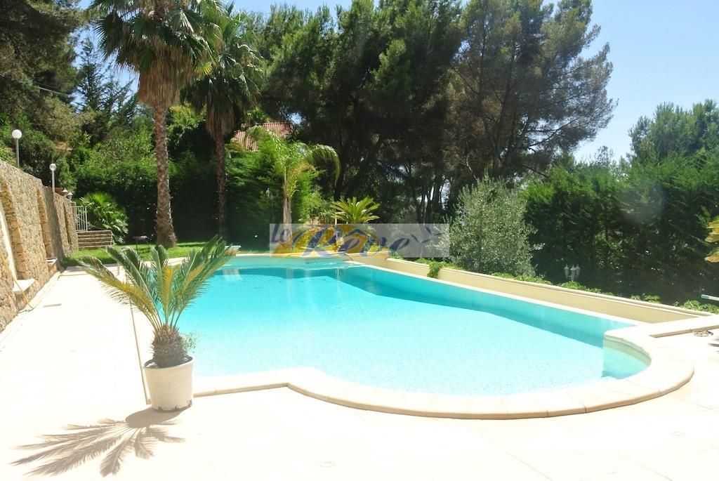 Villa for sale in Camporosso, Imperia...