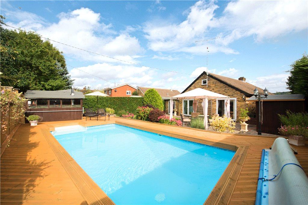3 bedroom bungalow for sale in wycombe road saunderton - Princess risborough swimming pool ...