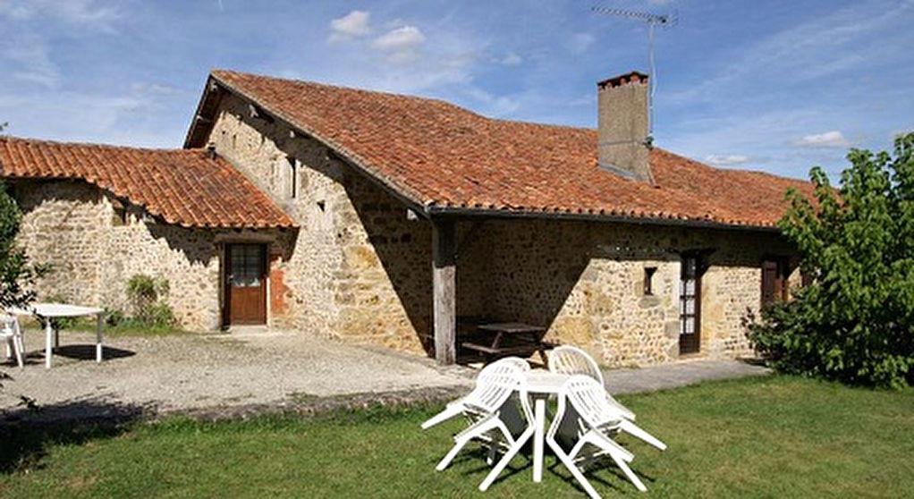 Gite for sale in Chasseneuil-Sur-Bonnieure, Poitou-Charentes, 16260, France