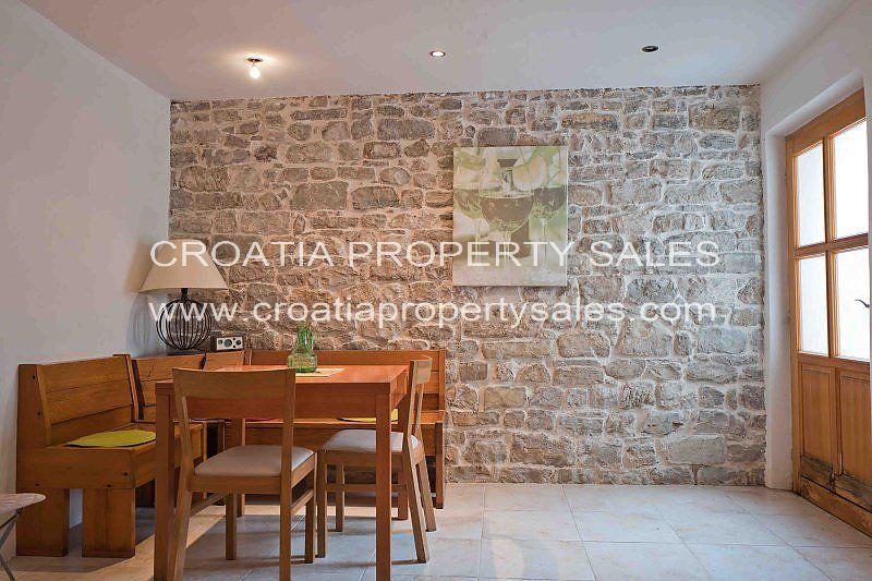 5 bedroom house in Kastela, Split-Dalmatia