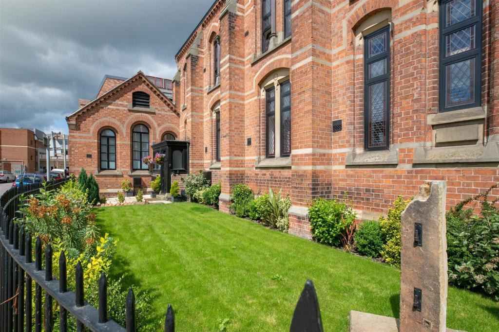 1 bedroom apartment for sale in Volunteer Street, Chester, CH1
