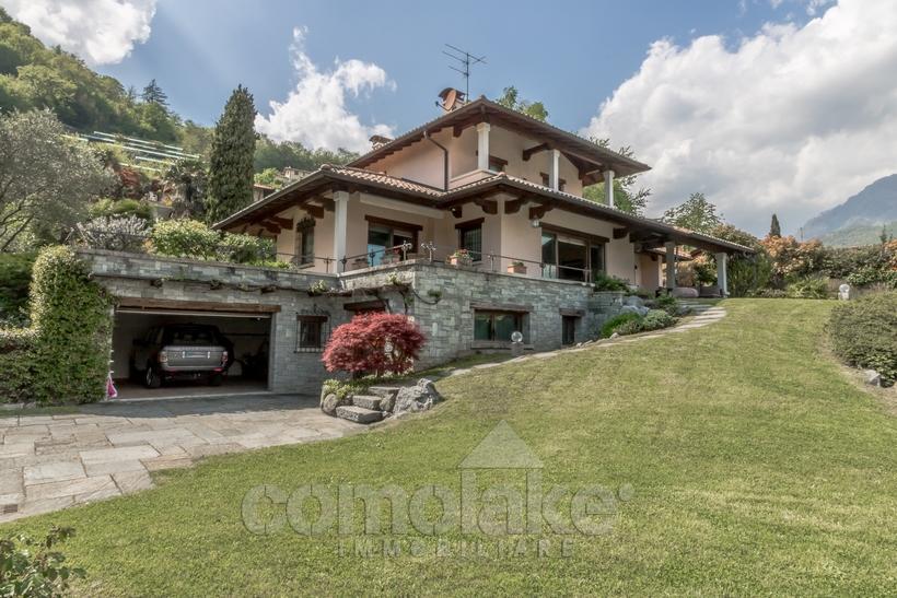 4 bedroom Detached Villa in Menaggio, Como, Lombardy
