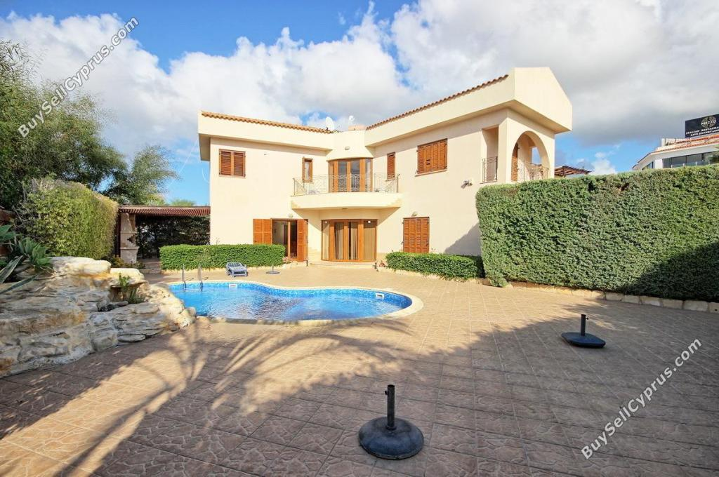 Detached property in Paphos, Coral Bay