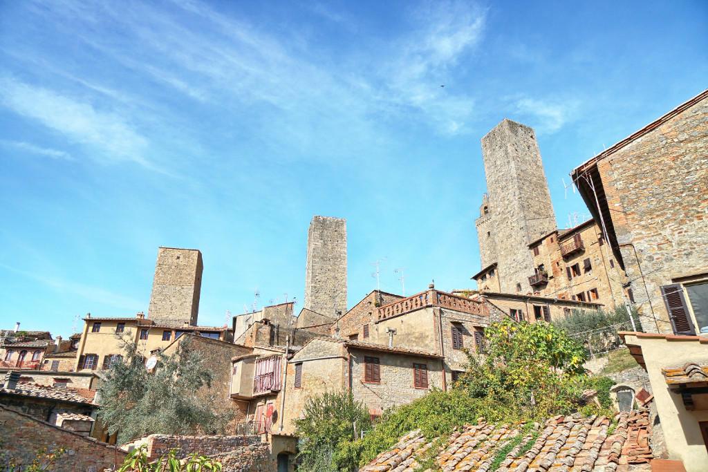 property in San Gimignano, Siena...