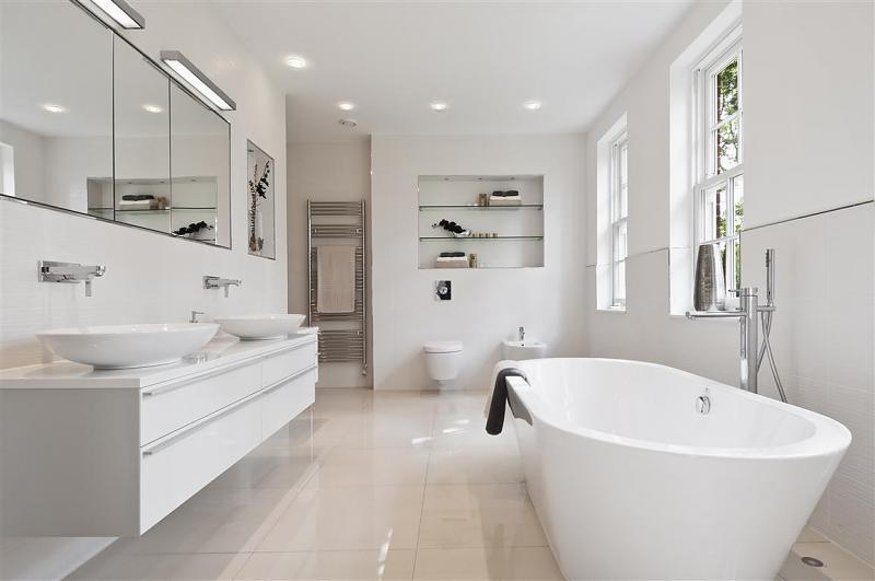 Modern bathroom design ideas photos inspiration - White bathroom ideas photo gallery ...