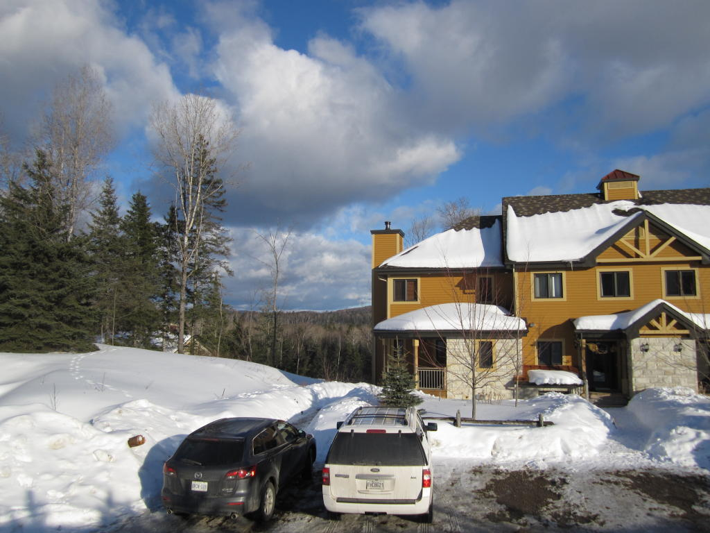 4 bed semi detached property in Québec, Mont Tremblant