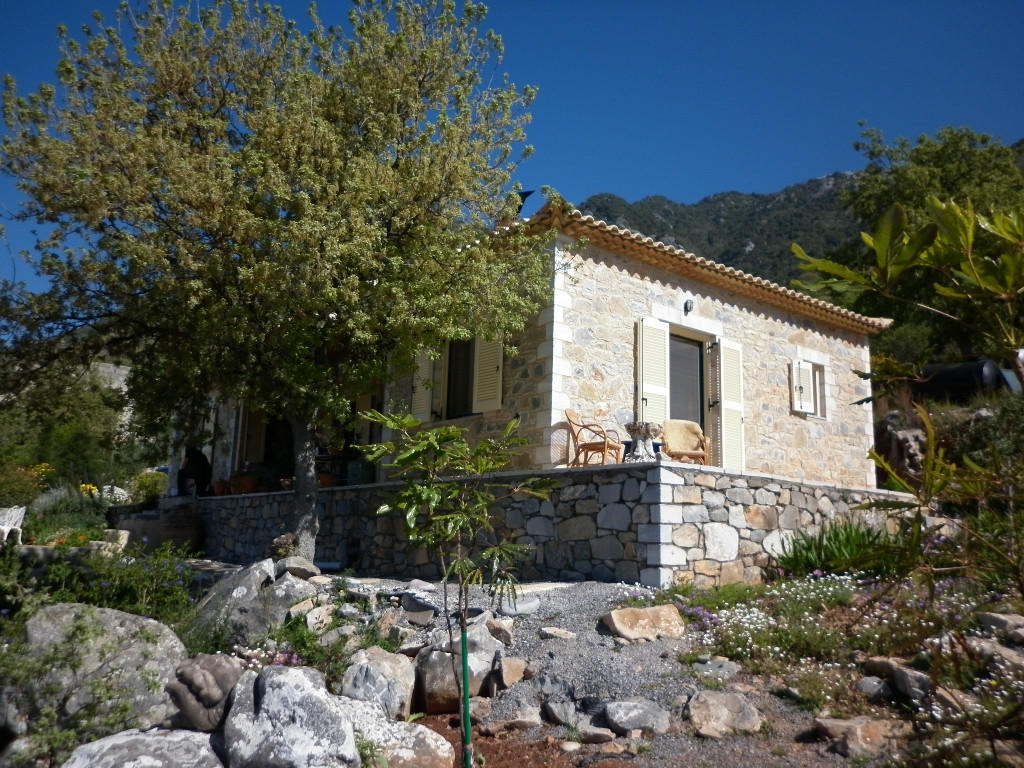 2 bed Detached Bungalow in Mani, Peloponnese