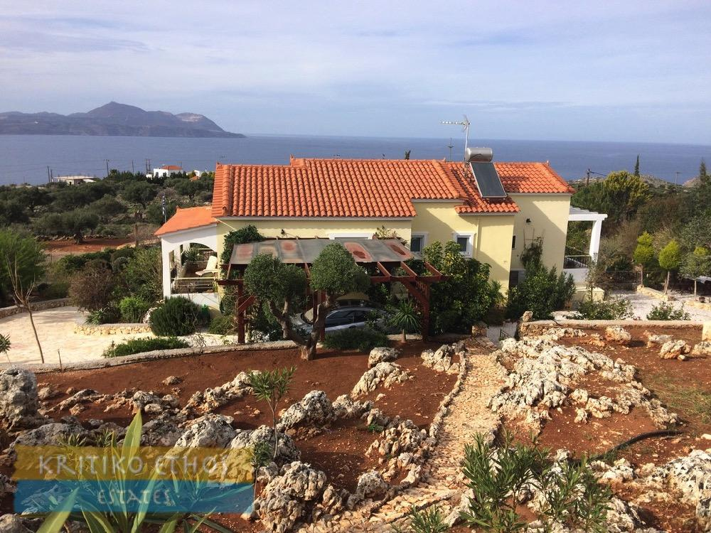 Villa for sale in Kokkino Horio, Chania...