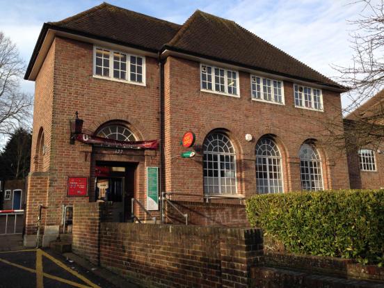 Retail Property High Street To Rent In 122 Watling Street