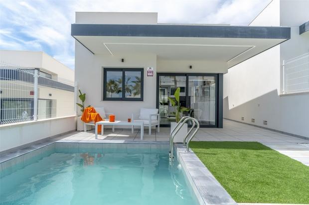 4 bedroom new property for sale in REF - VMV25 ...