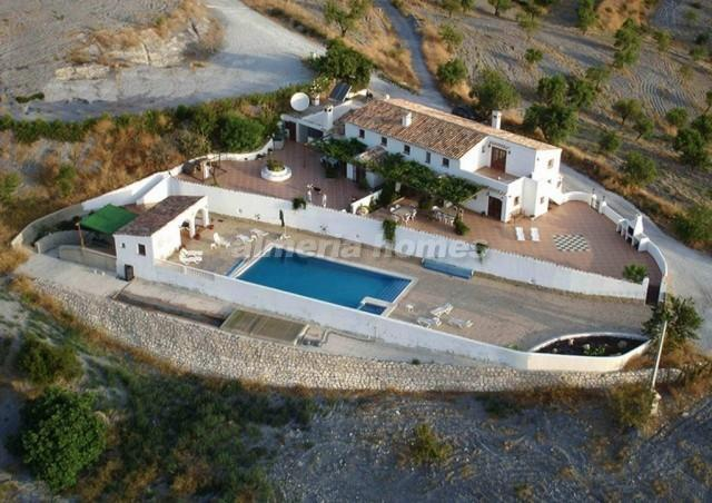 Country House in Cortijo Charche...