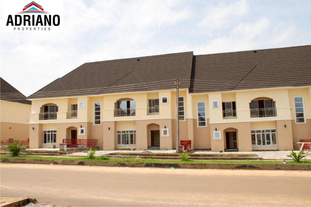 4 bed new property in Federal Capital...