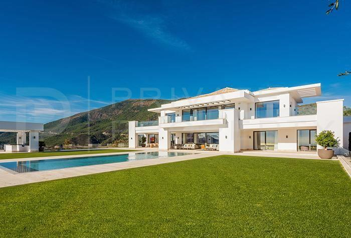 8 bed Detached Villa for sale in La Zagaleta, Benahavís...