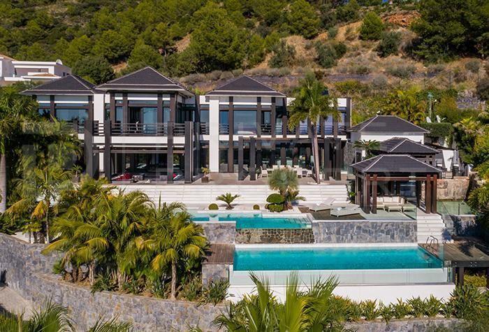 Detached Villa for sale in Marbella, Málaga, Spain