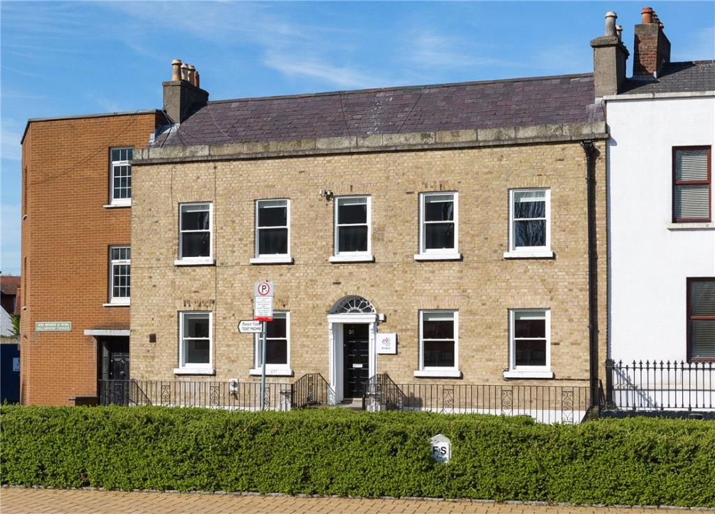 3 bed Terraced property in 31 Ballsbridge Terrace...