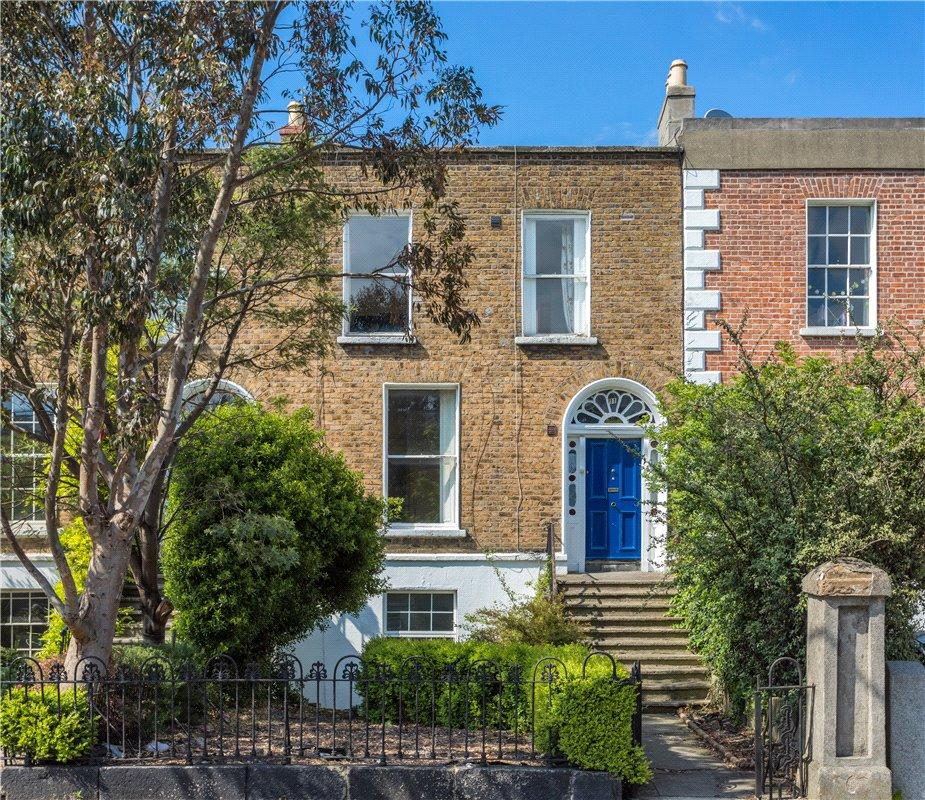 5 bed Terraced house in 11 Castlewood Avenue...